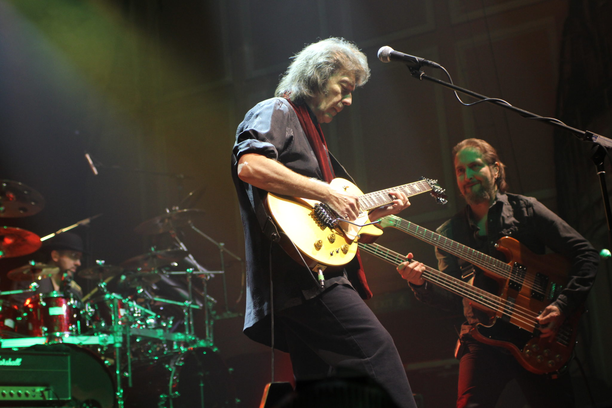 Steve Hackett and Lee Pomelroy by Mick Burgess